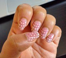 Subtle gradient manicure